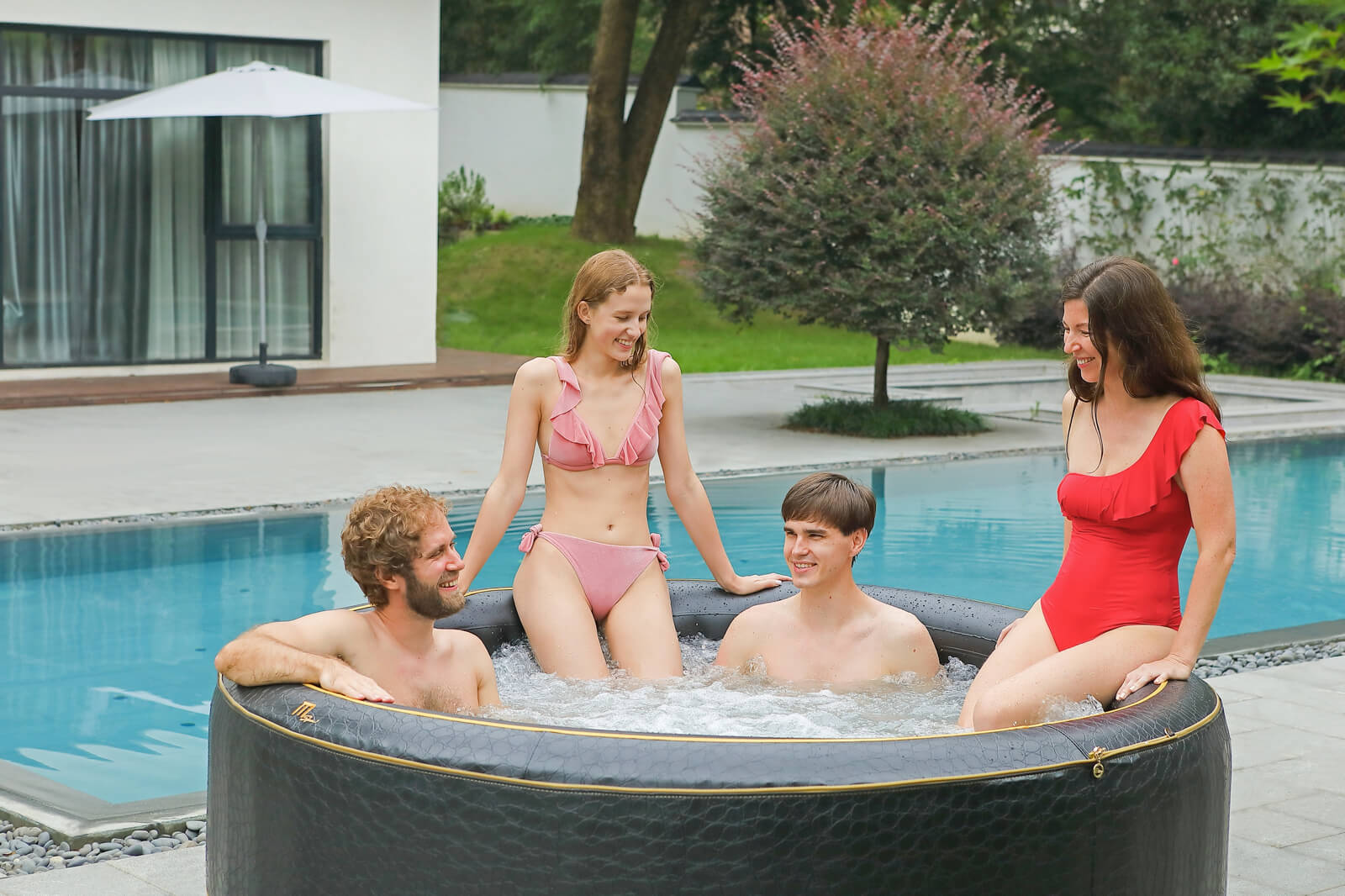 MSpa Premium  Whirlpool Luxury Exotic für 6 Personen - P-EX069 Indoor + Outdoor-Whirlpool